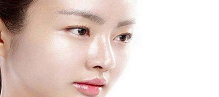 tips memilih moisturizer untuk kulit berminyak yang harus Anda ketahui dan terapkan.